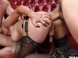 TS Kayleigh Coxx Enjoys Being Gangbanged